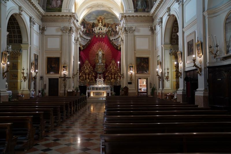 Negrar church inside