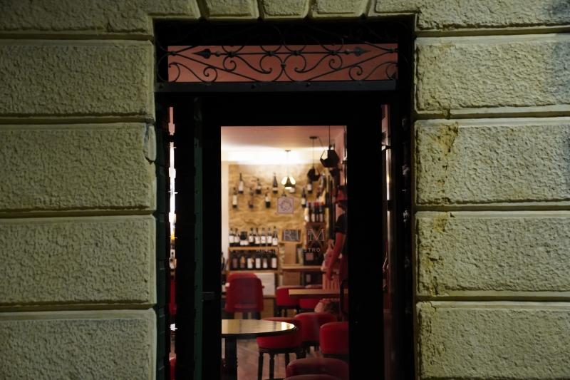 Castrum Wine-Bistro