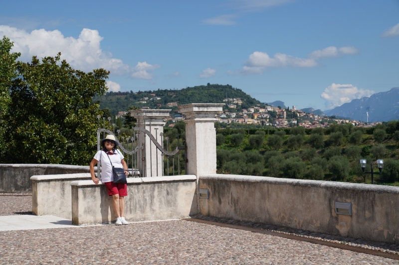 MN at Lazise with Valpolicella background