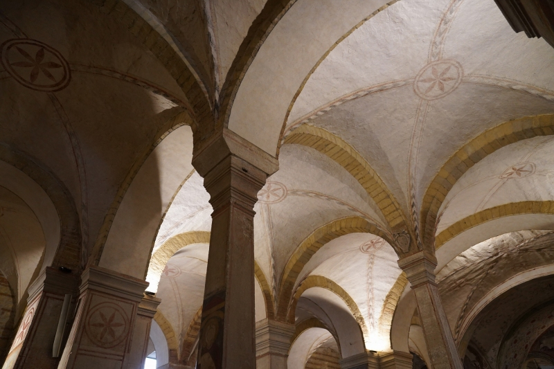 San Fermo, vaulted ceiling at the lower church