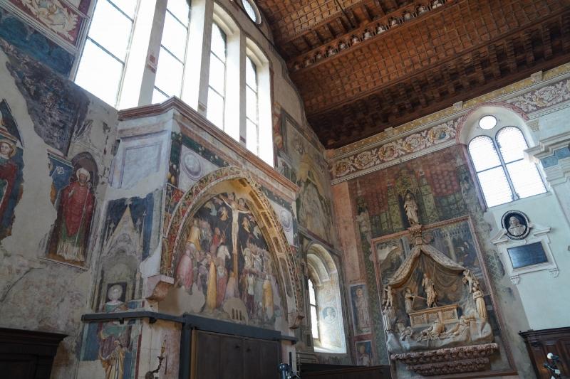 San Fermo, frescos on the back side ( 14th Century )